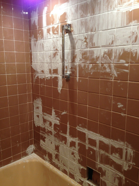 Fixing Bathroom Ceramic Tile The House On Rynkus Hill